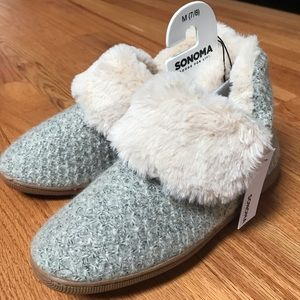 NWT- Women's Sonoma Slippers